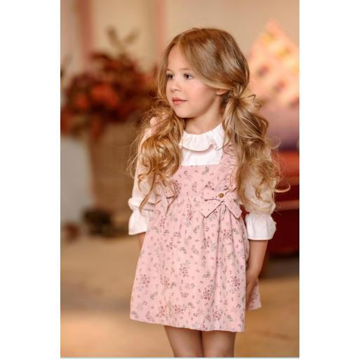 Conjunto de niña  de Pichi y camisa pertenece a la familia Dedal de Yoedu.