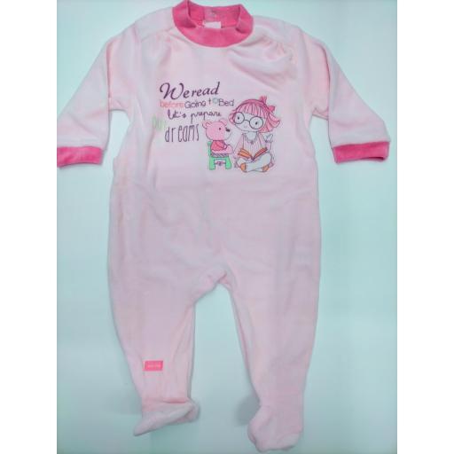 "Pijama bebé  rosa"" Read "" de Yatsi."