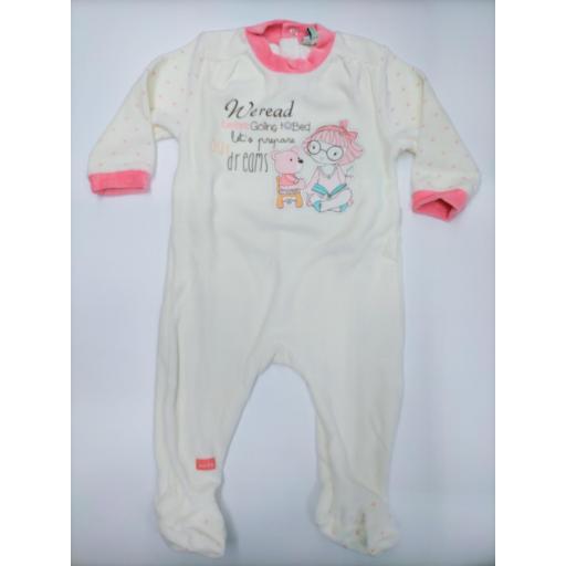 "Pijama bebé  marfil "" Read "" de Yatsi."