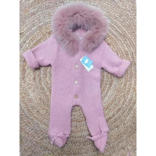 Buzo  punto de bebé capucha de pelo  en rosa palo  de Mac Ilusión.