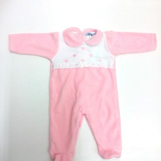 """Pijama de bebé rosa """" corazones """" de Popys."""