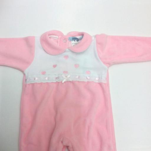 """Pijama de bebé rosa """" corazones """" de Popys. [1]"""
