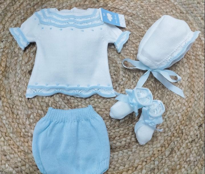 Jersey bebé con ranita , patucos  y capota en blanco/azul de Mac Ilusion.
