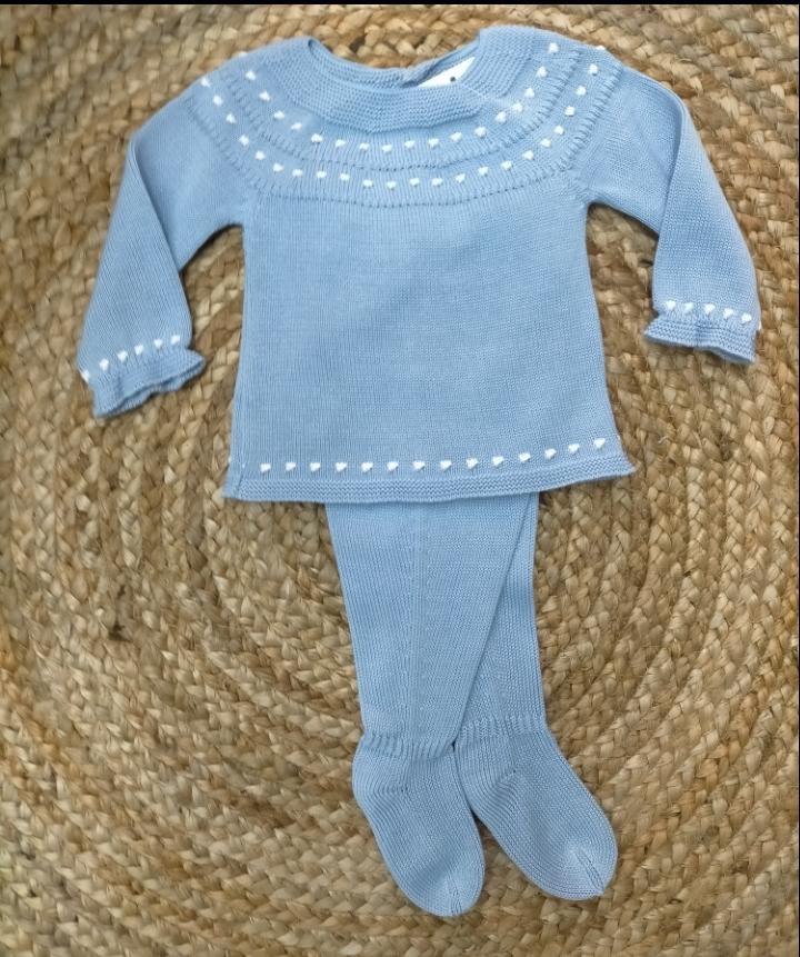 Jersey de bebé en Azulito con polaina de Mac Ilusión.