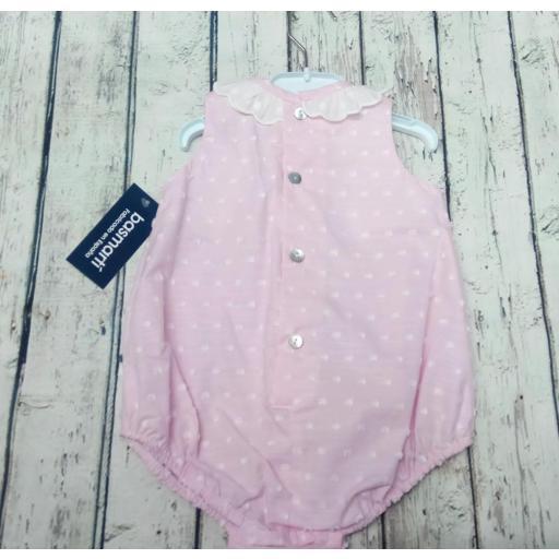 Pelele de bebé en plumeti rosa de Basmarti. [1]