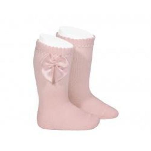 Media de niña de perle en rosa empolvado de Cóndor .