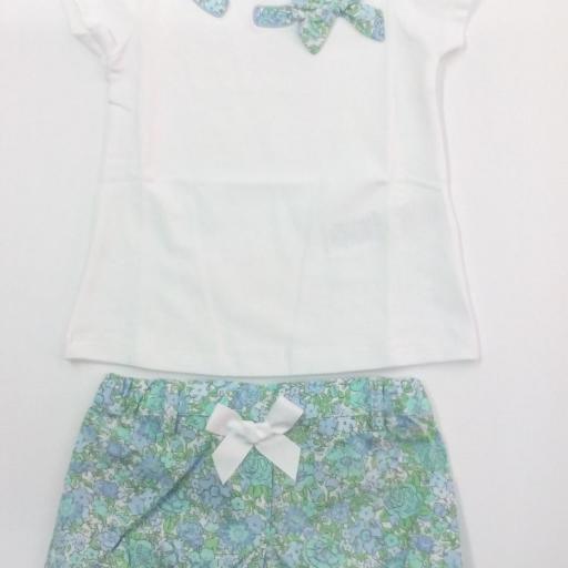 Conjunto de niña con short en flores verdes de Dr Kid. [1]