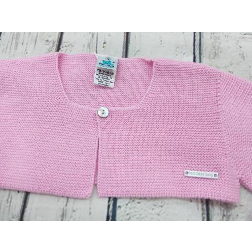 Chaqueta de niña rosa chicle de perlé de Pangasa. [1]