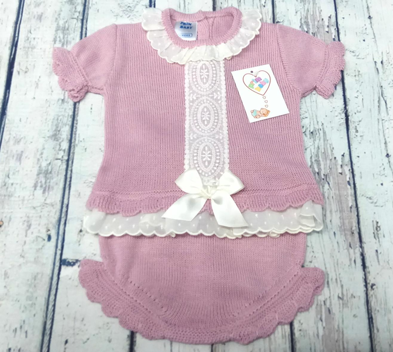 Conjunto de niña de canastilla en perlé en rosa palo.