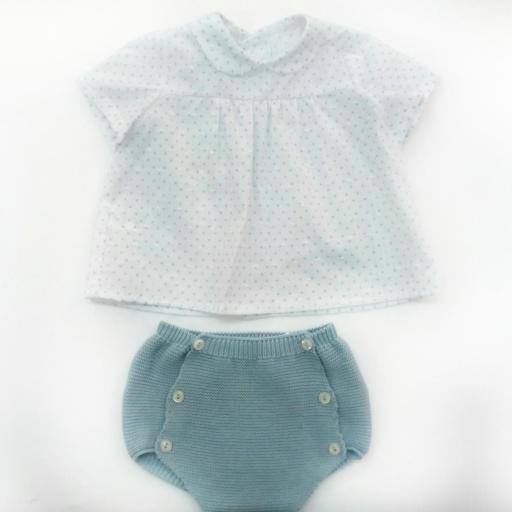 Conjunto de bebé en azul empolvado de Pangasa.  [0]