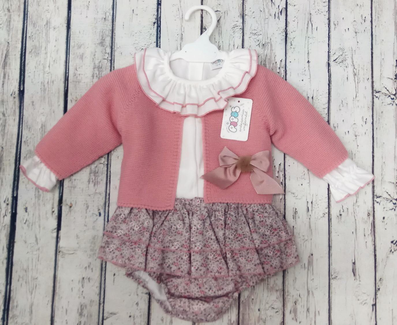Conjunto de niña con culetin rosa de Pipos. La chaqueta se vende aparte.