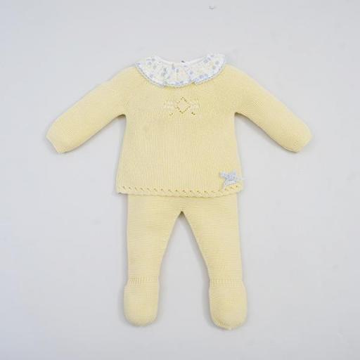 Conjunto Bebé polaina en amarillo de Pangasa.