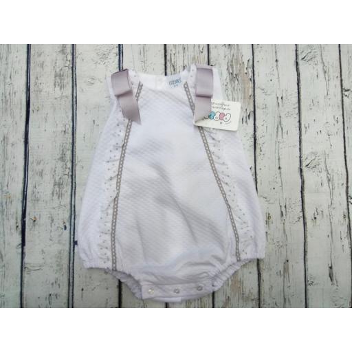 Pelele de bebé en piqué con gris de Pipos