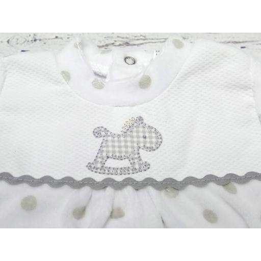 """Pijama bebé topos grises """" Caballito """" de Tony Bambino [1]"""