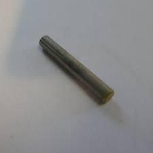 Yamaha 90250-05011-00 Pin, recto;
