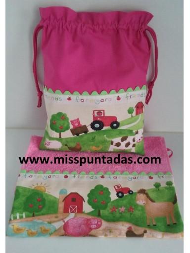 Toalla - bolsa La Granja rosa.