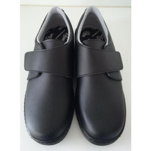 Zapato velcro negro. [0]