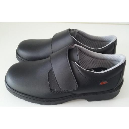 Zapato velcro negro. [1]