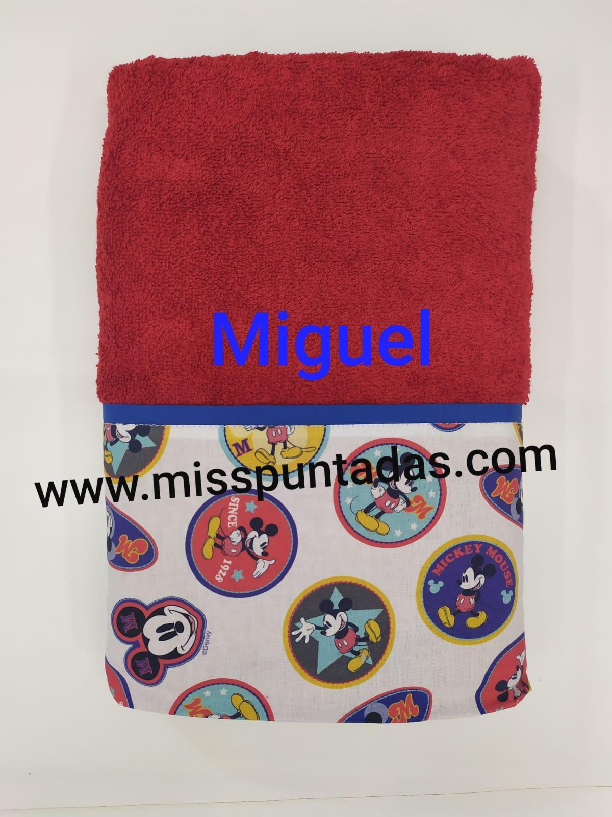 Toalla roja de  Mickey