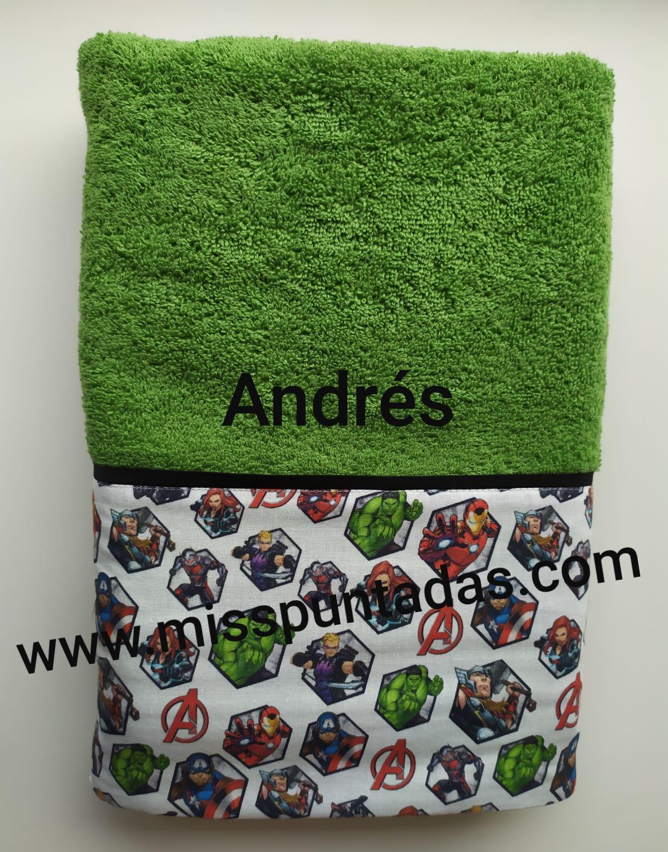Toalla verde Avengers