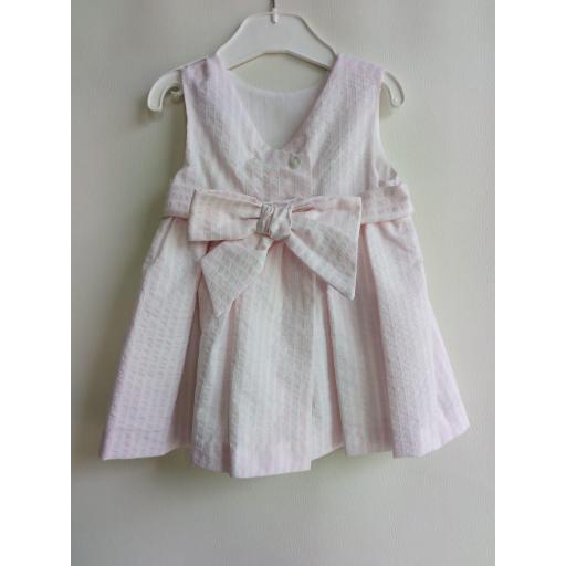 Vestido rayas rosa. [1]