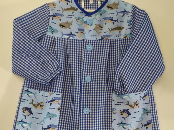Bata Tiburones vichy azulón.