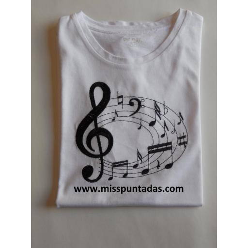Camiseta de notas musicales  en negro. [0]