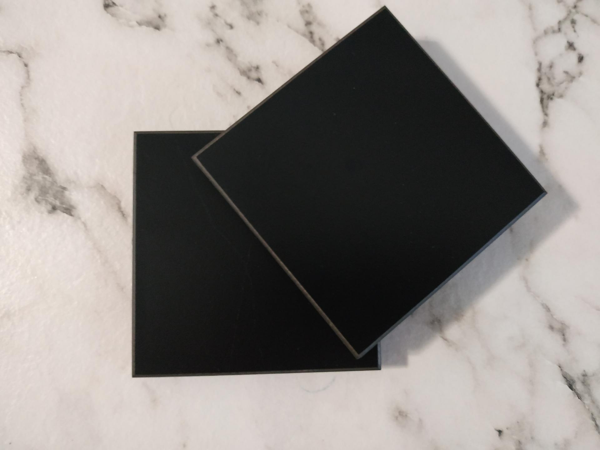 Tablero compacto negro