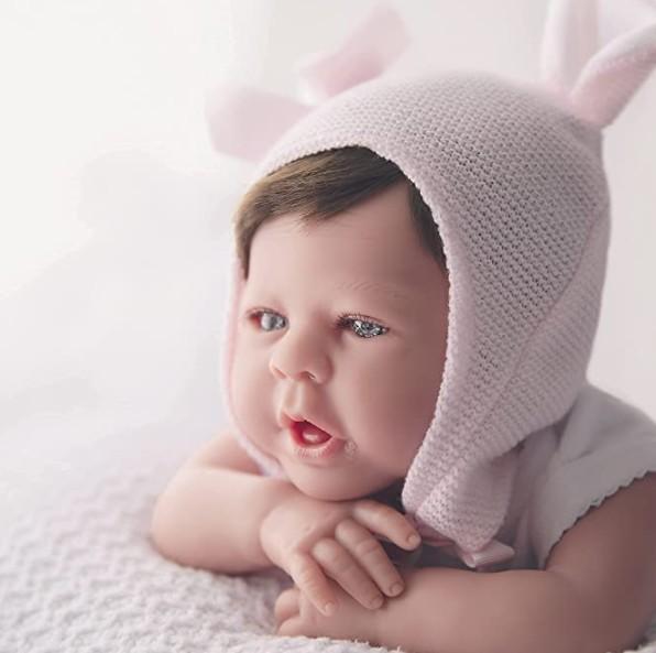 Bebe Reborn 48cm 1,8 kg pliegues y rojeces,.