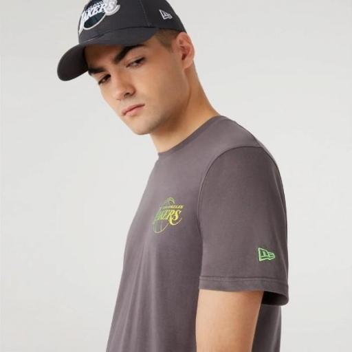 NEW ERA Camiseta NBA Fade Logo Tee Los Ángeles Lakers Grey [0]