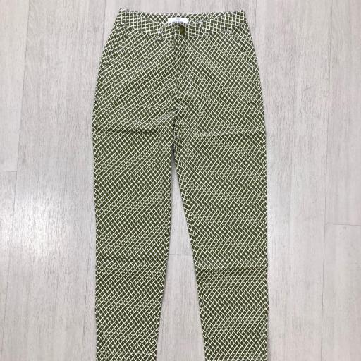 Pantalón estampado [1]