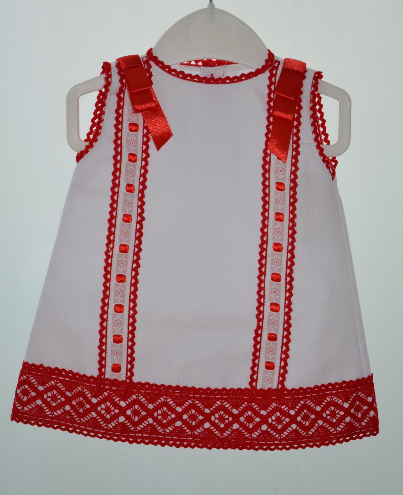 Faldón blanco y rojo