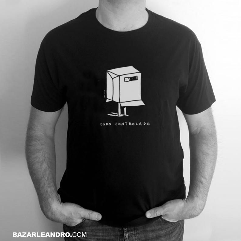 Camiseta negra TODO CONTROLADO