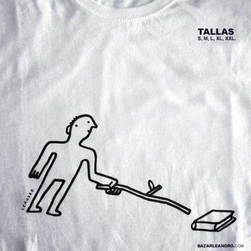 Camiseta blanca NO SE ASUSTE, ES UN LIBRO [1]