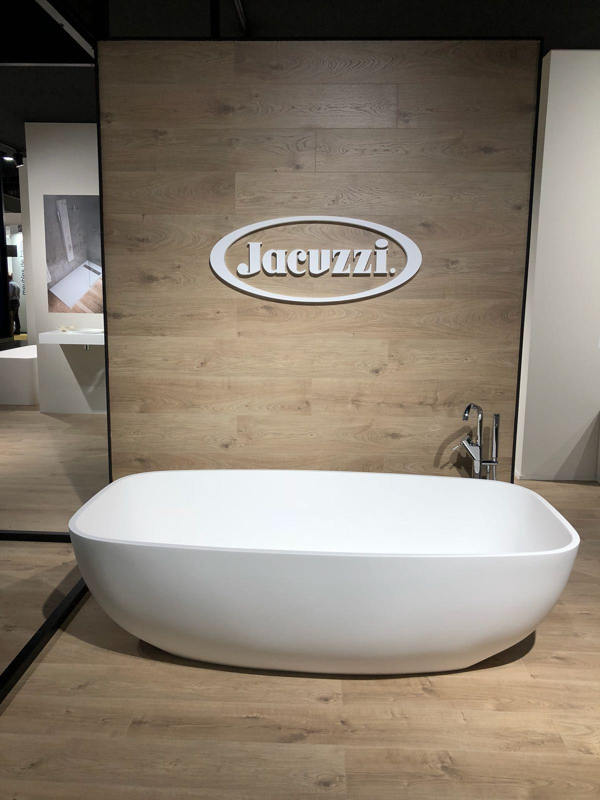 bañera de la marca jacuzzi