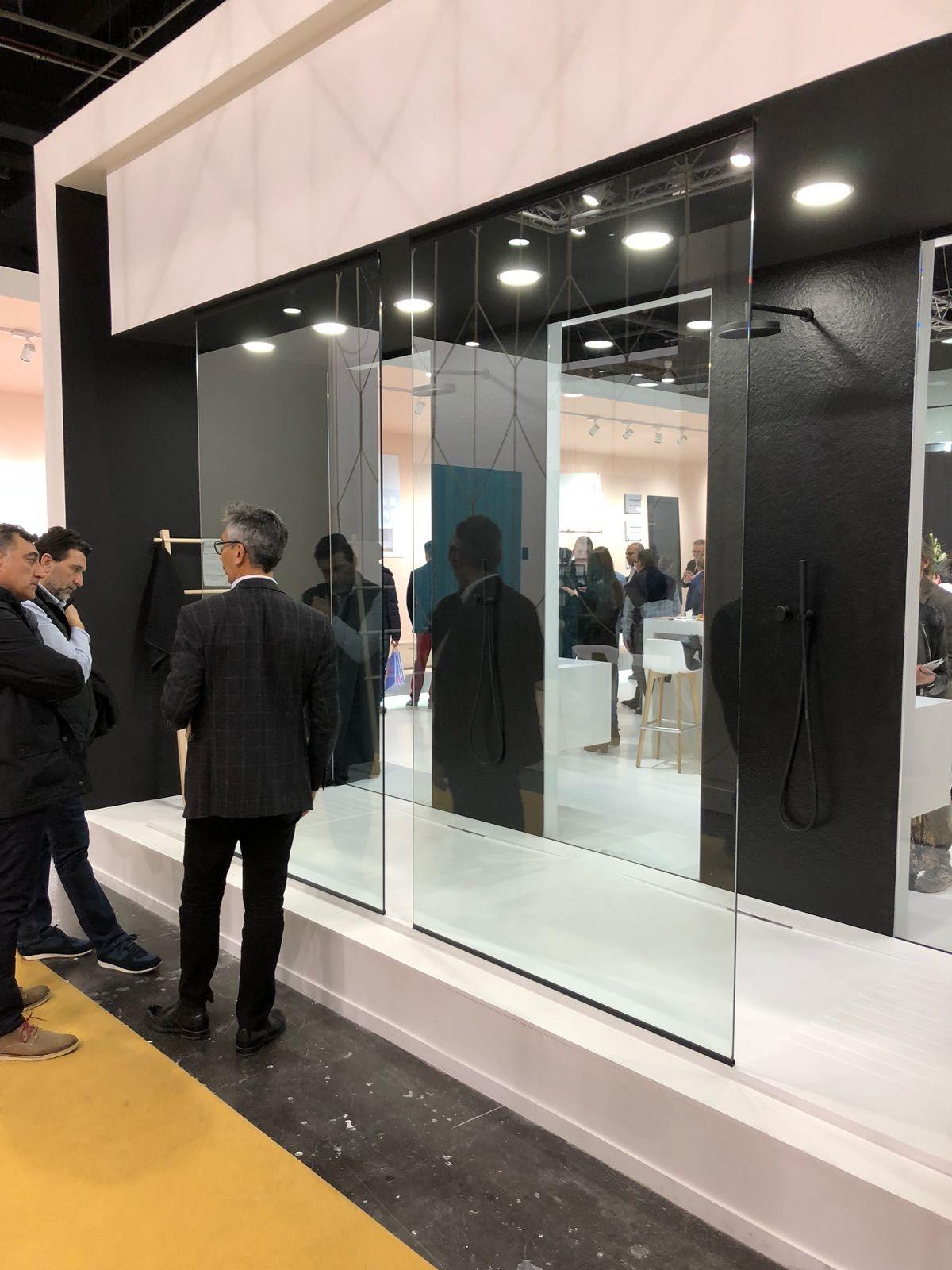 Exposición cristales y espejos