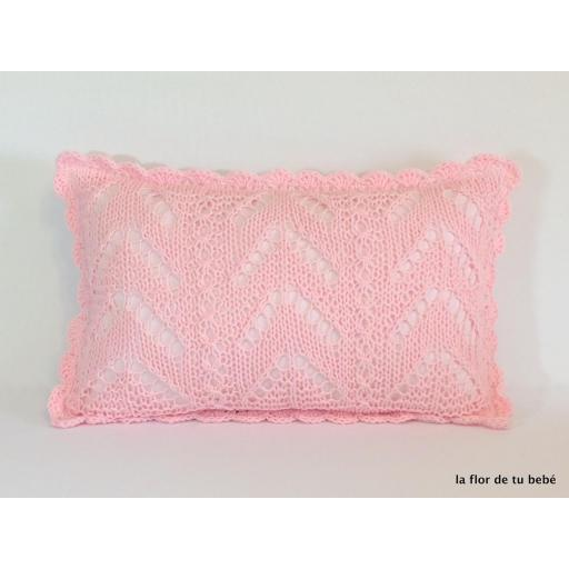 Cojín Crochet rectangular rosa bebé