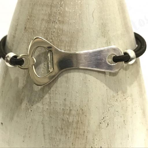 Pulsera camarero en plata y cordón elástico