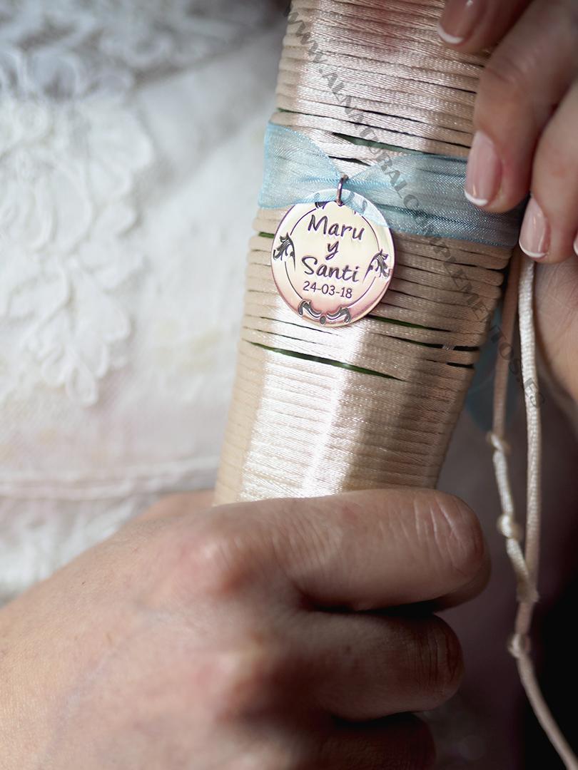 Chapa personalizada para ramo de novia