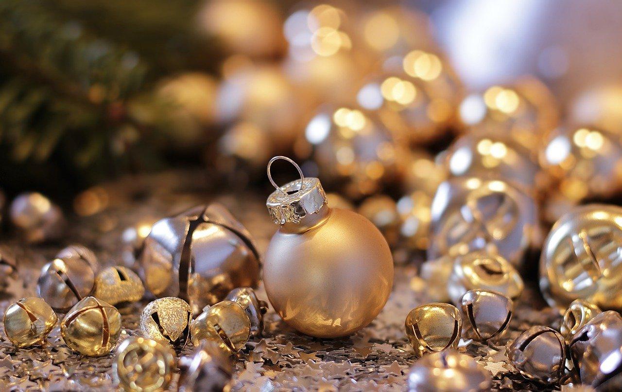 Adornos navideños tradicionales