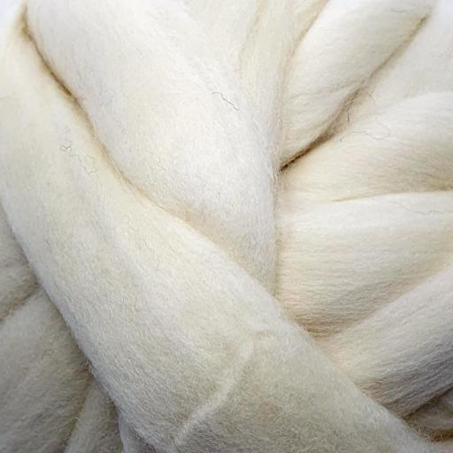 Lana Peinada Relleno Blanco Natural