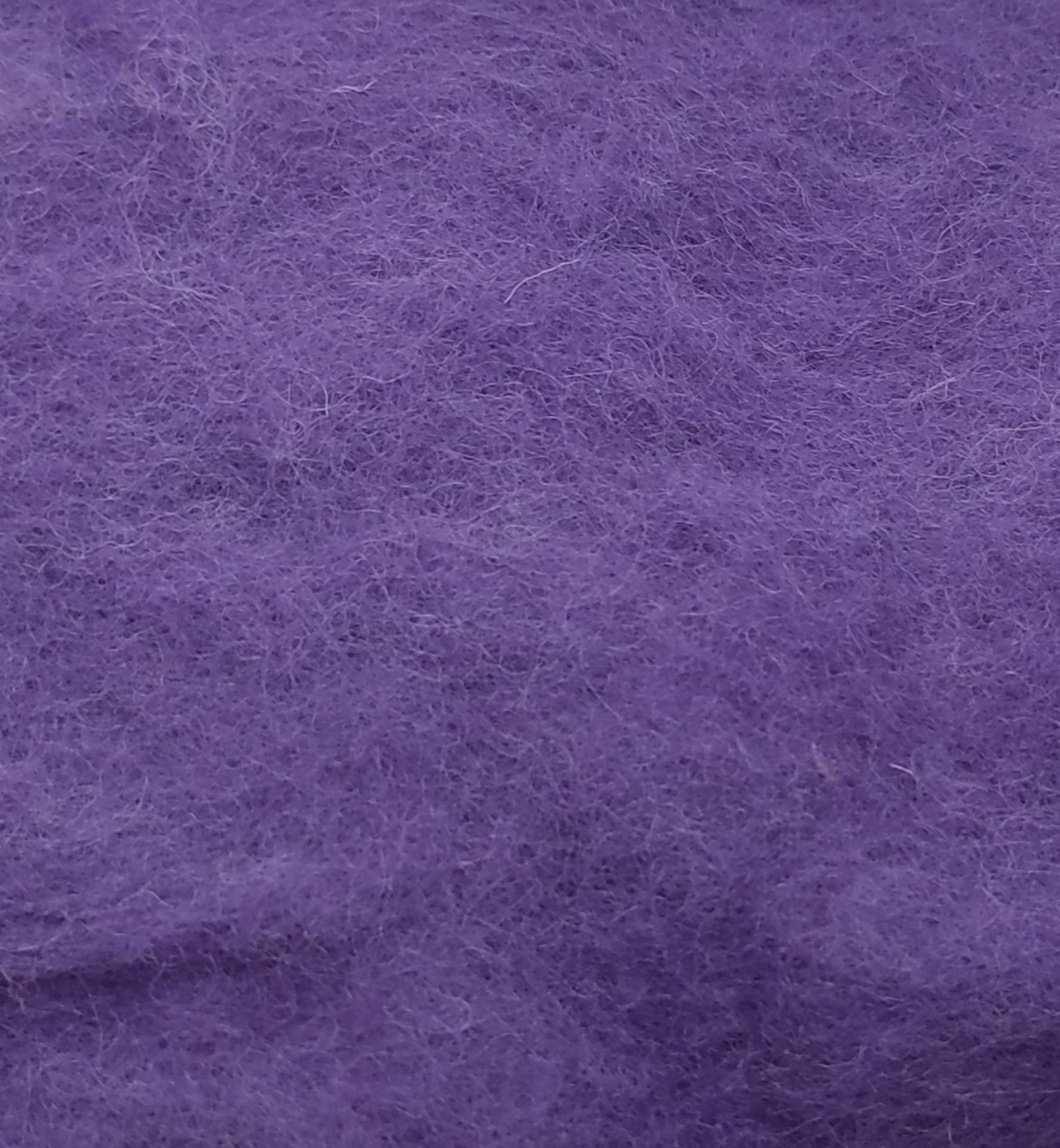 Lana Cardada Fina Púrpura