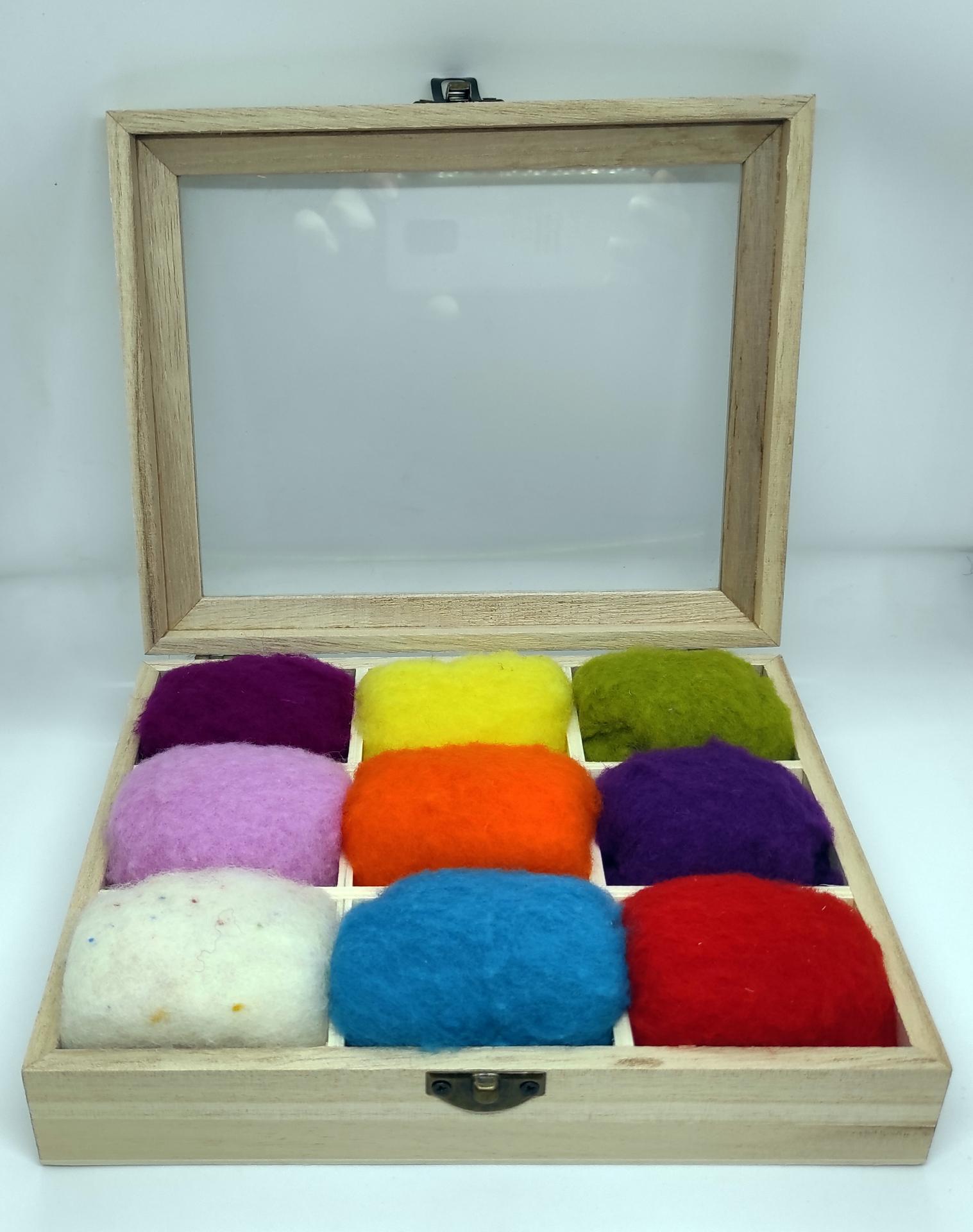 Caja de lanas variadas