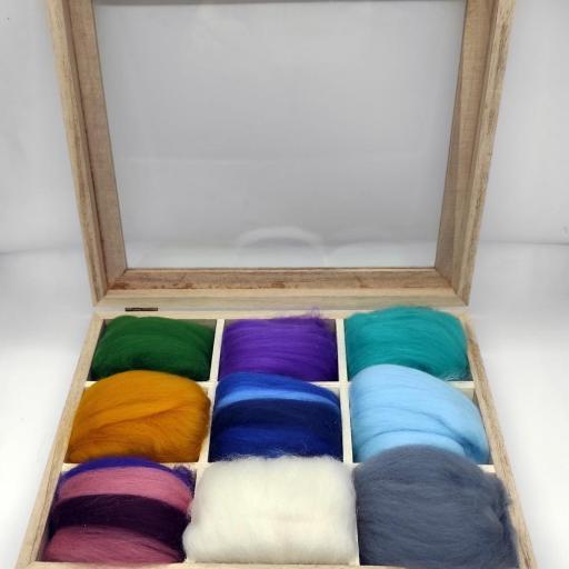 Caja de lanas variadas [1]