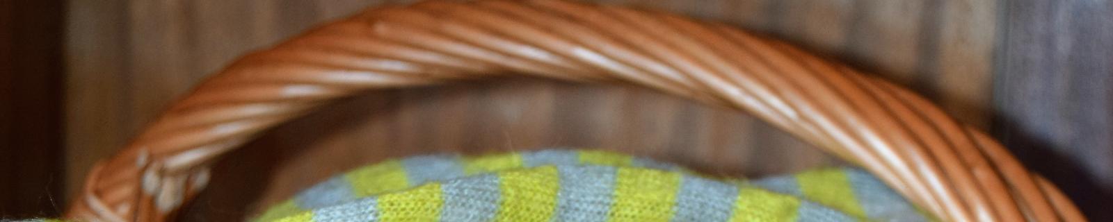 Ordena tu armario con preciosas cestas artesanales de mimbre y castaño