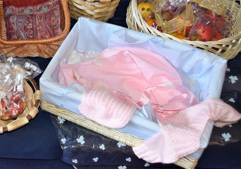Cajón de mimbre canastilla bebés regalo