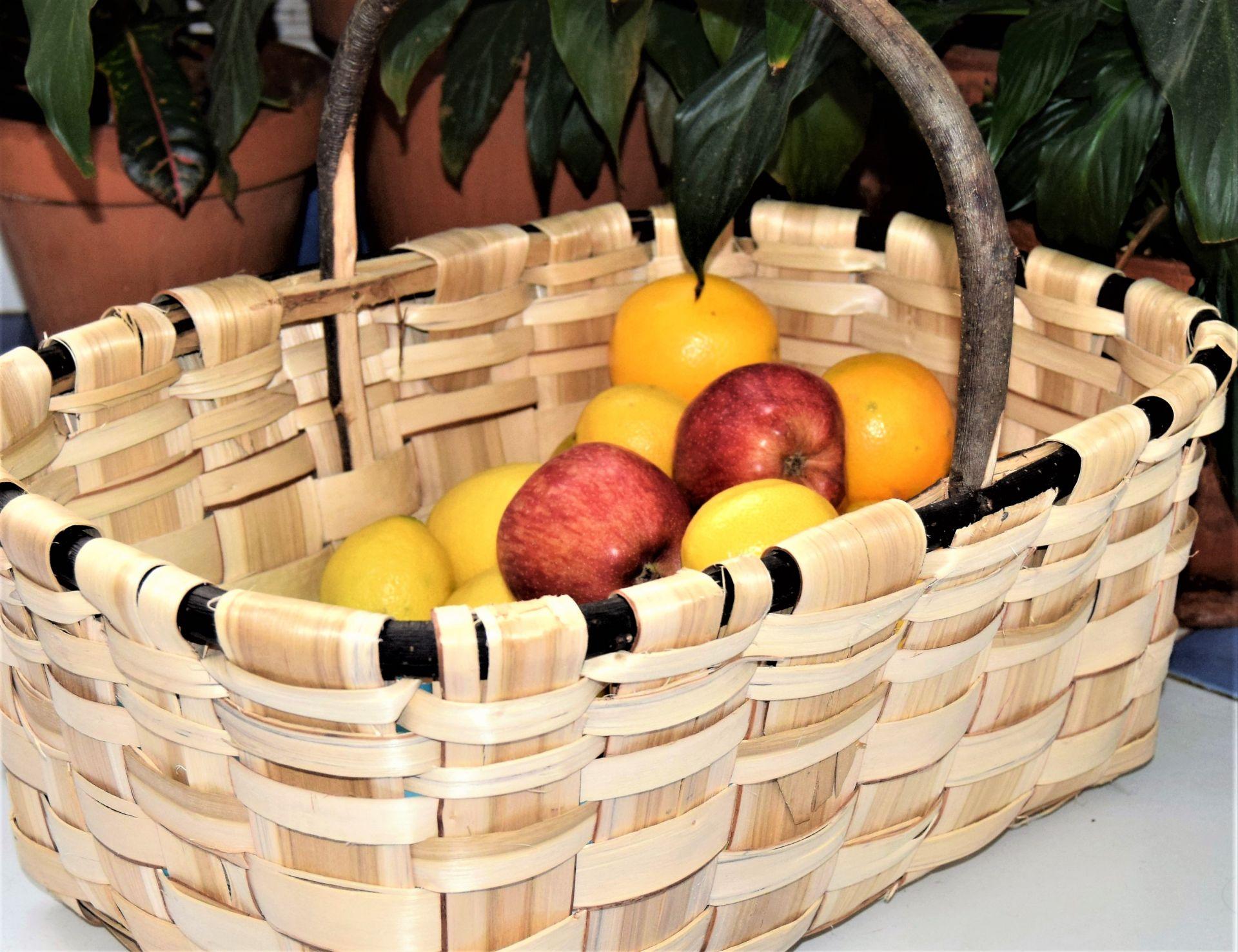 cesta de castaño con asa
