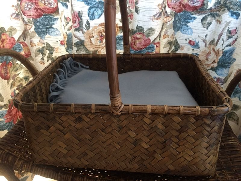 Cesta de ratan y bambu antique