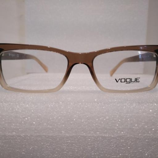 Vogue 2596