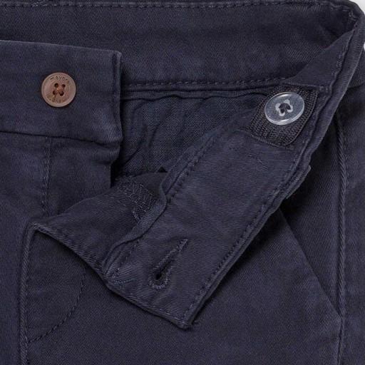 Pantalón chino básico [2]